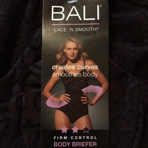NWT, White Bali Firm Control Body Briefer